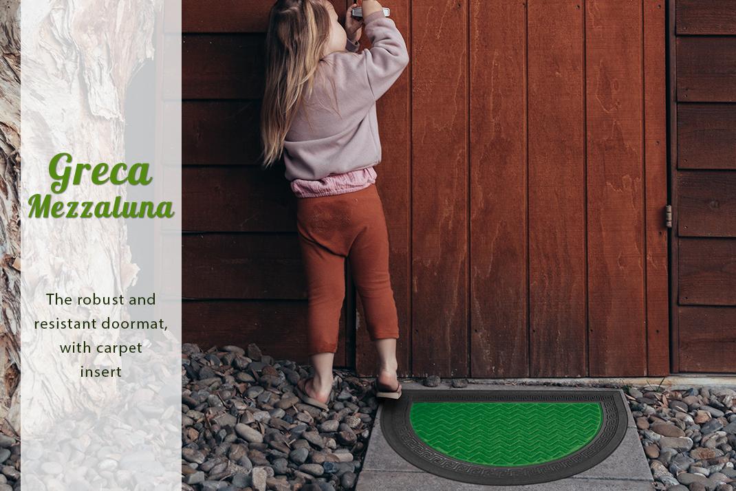 Greca resistant rubber doormat